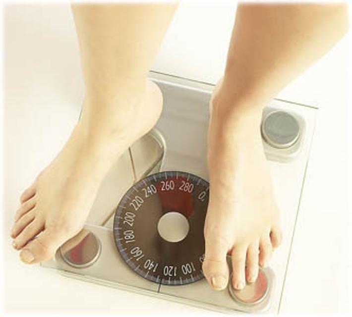 Disturbi alimentari: anoressia già a 10 anni, in aumento la bulimia