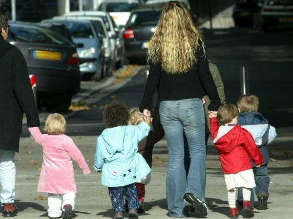 Assegni di maternità per chi ha tre figli minori. Aperto il bando
