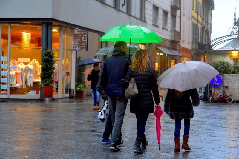 Dopo l'assaggio di primavera torna la pioggia. Weekend con l'ombrello