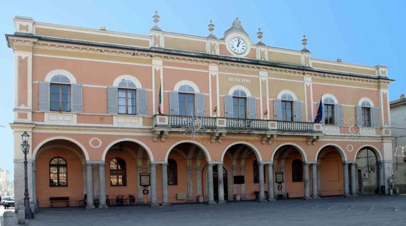 Castelsangiovanni - municipio-800