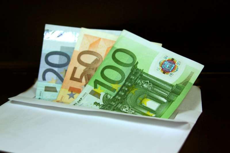busta_con_i_soldi