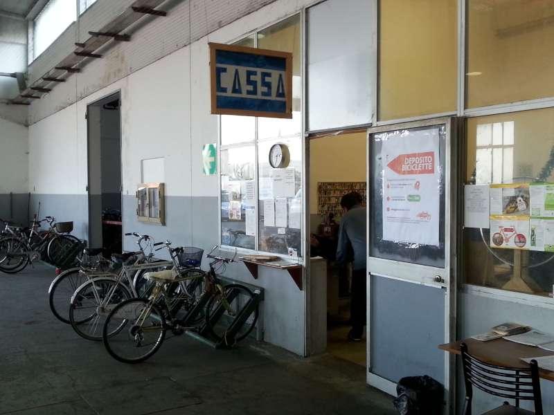 furto al deposito biciclette della stazione (1)-800