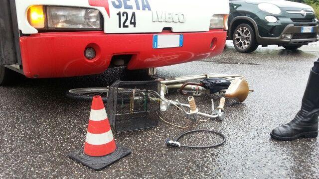incidente bici piazzale Roma (2)