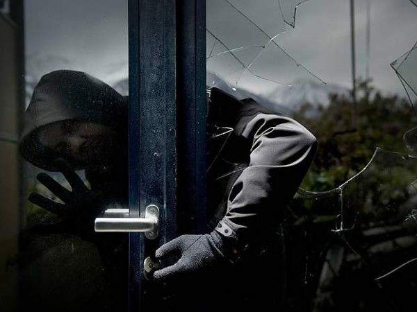 furto, ladri in appartamento