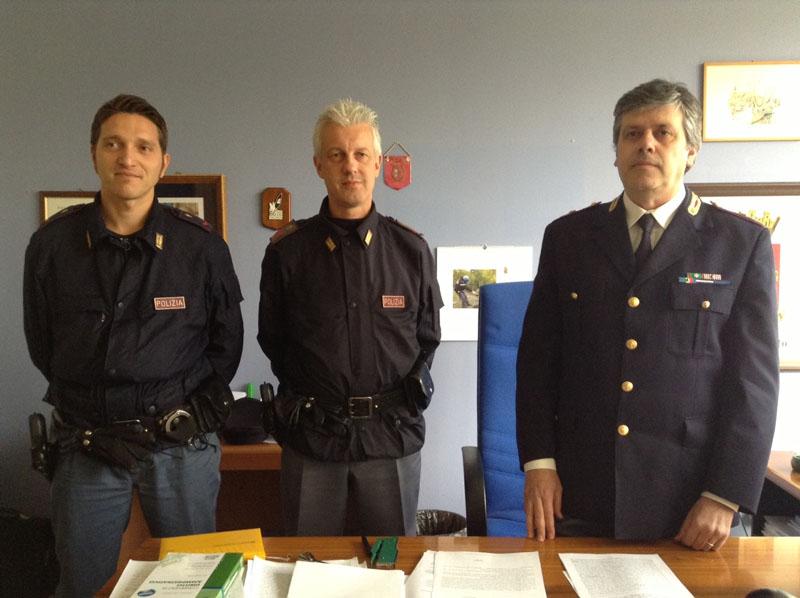 Gli agenti della Divisione anticrimine di Reggio Emilia intervenuti