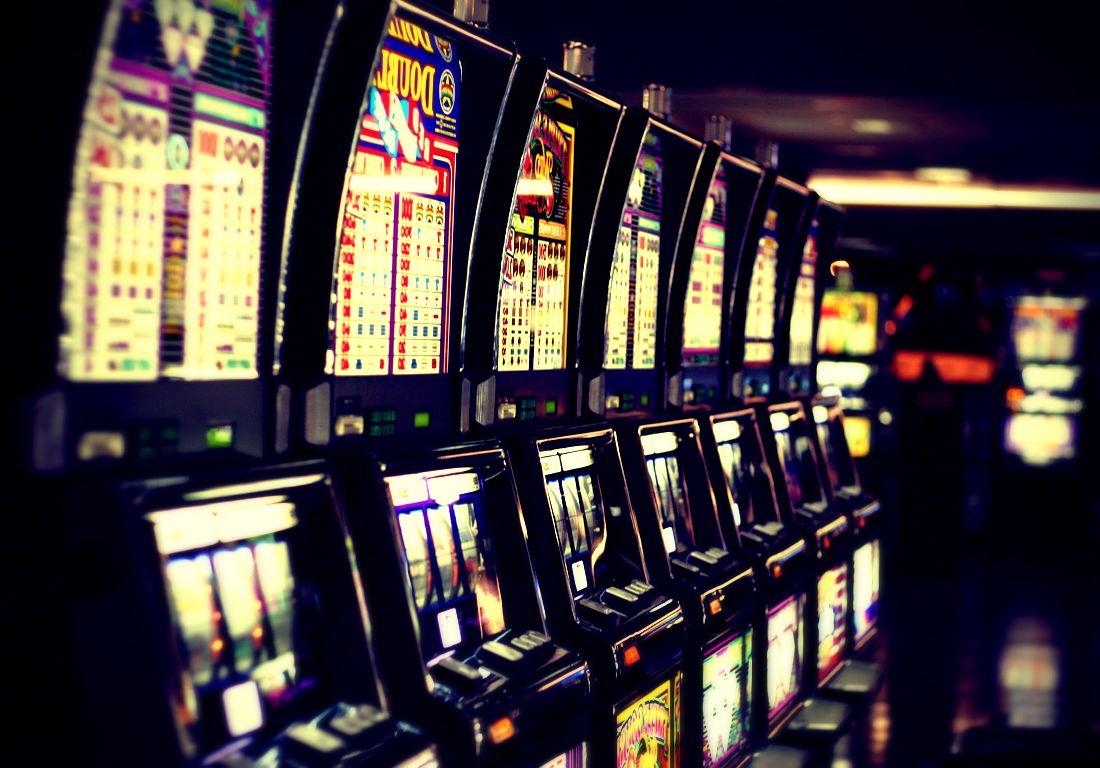 Gioco d'azzardo: oltre 400 casi seguiti dal Sert. Psicologhe nelle scuole