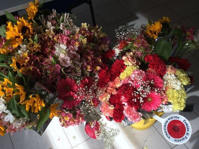 Venditori abusivi fiori