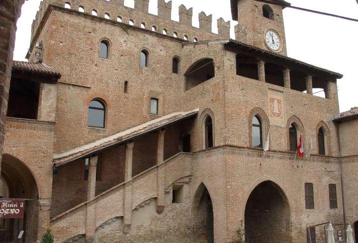 Castellarquato - municipio-720