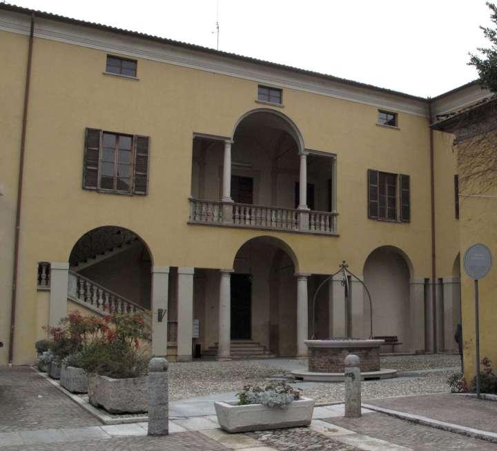 Gazzola - municipio-720