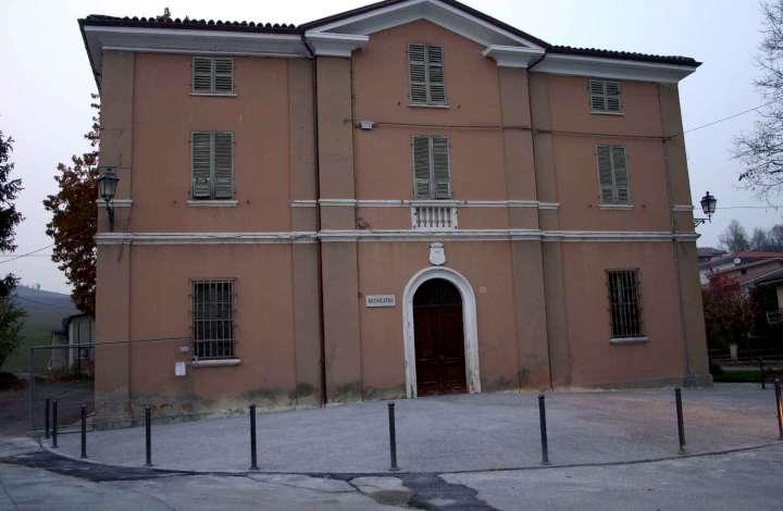 Piozzano - municipio-720
