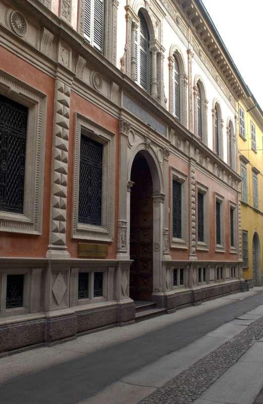 Sede Cariparma a Piacenza (1)