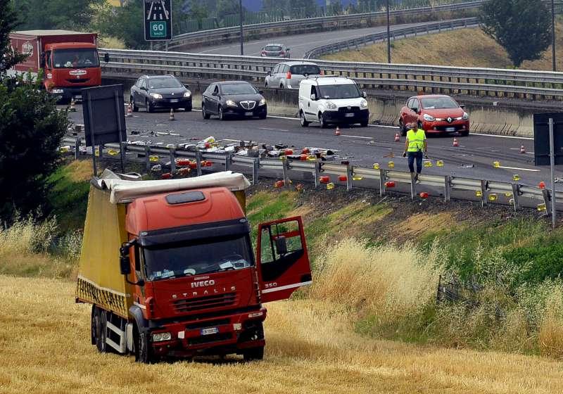 incidente in autostrada A1 (2)-800