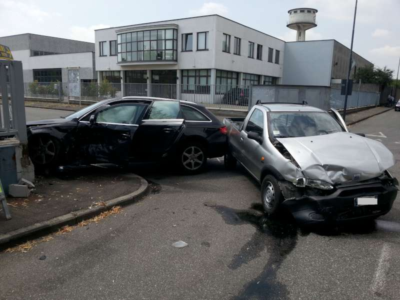 incidente stradale a Montale (1)-800
