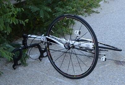 Ciclista cade e muore a Morfasso. È polemica per la guardia medica