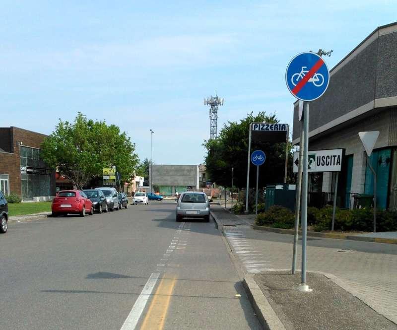 parcheggio sulla ciclabile