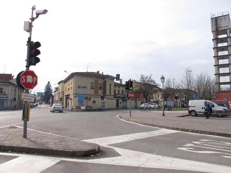 Piazza De Cristoforis a Borgonovo-800