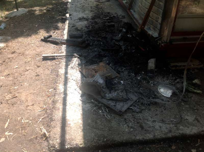 edicola bruciata in via pietro cella (1)