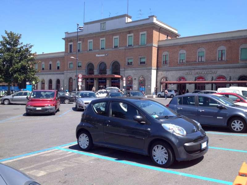nuovi spazi blu a piazzale Marconi (2)