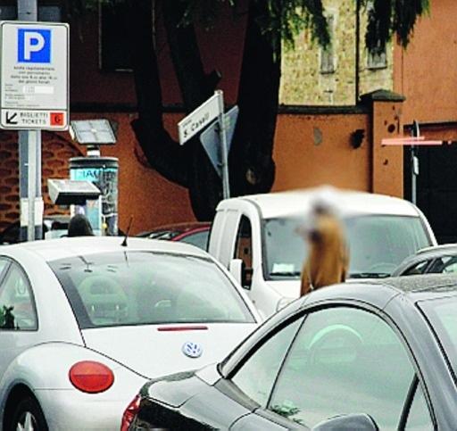 parcheggiatori abusibi mercato rionale piazza casali