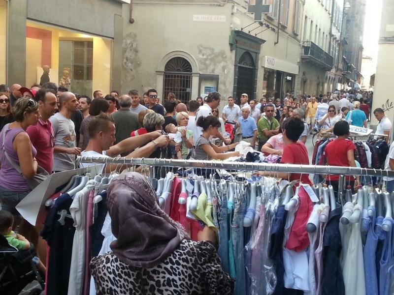 Shopping: domenica 3 torna lo Sbaracco, da venerdì 8 Mercato europeo