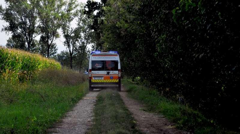 Ambulanza in campagna-800