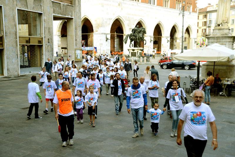 Festa Famiglia CSi Partenza in piazza Camminata