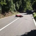 Ottone, sbuca un capriolo sulla strada: motociclista sbanda e cade