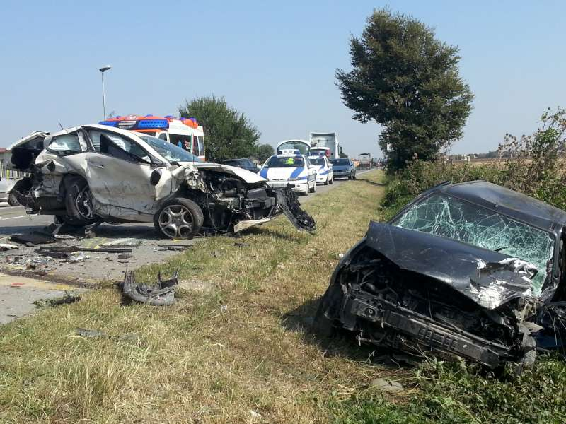Incidente stradale a Caorso (1)-800