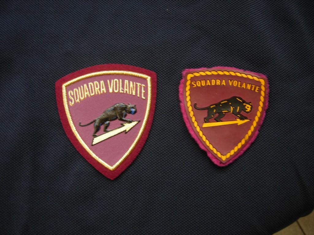 da sinistra il nuovo stemma delle volanti a destra il vecchio