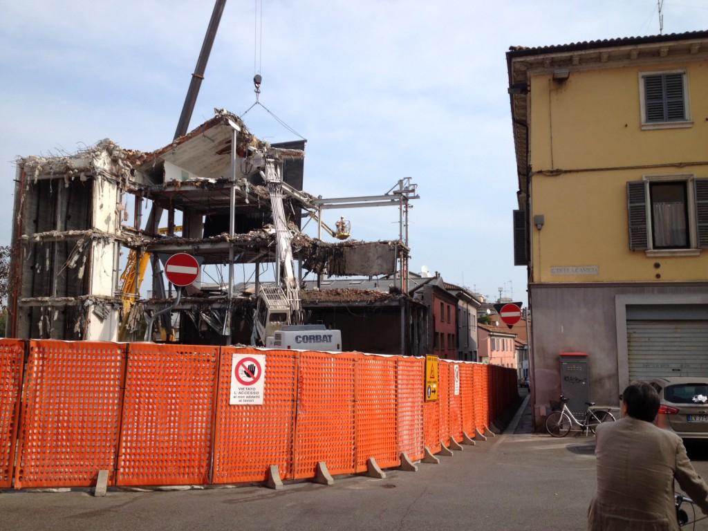 demolizione palazzo ex enel
