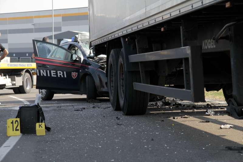 Morte del carabiniere Luca Di Pietra, camionista condannato a due anni e sei mesi. Disposti risarcimenti per 225mila euro