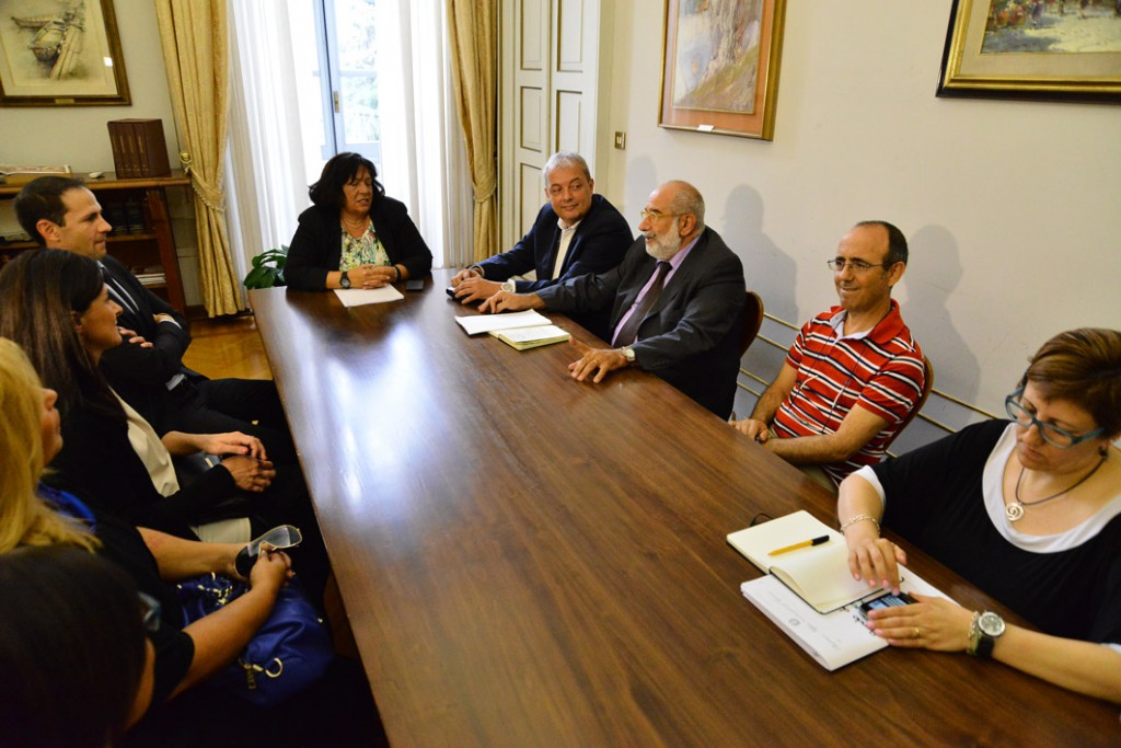 prefettura - il sindaco e i cittadini di pontedell'olio dal pref