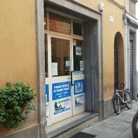 Via Roma: due uomini armati rapinano un call center