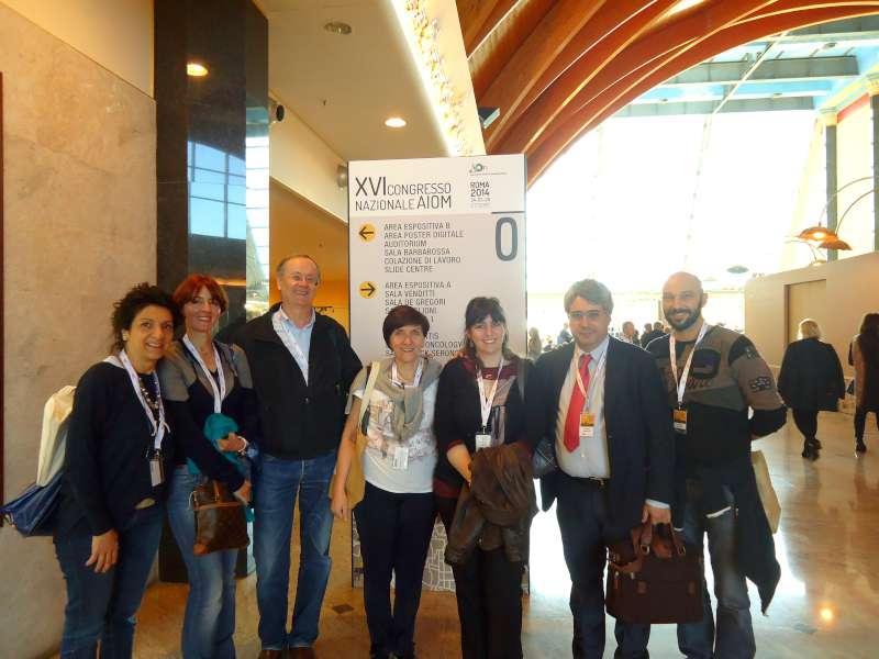 Luigi Cavanna con i medici e gli infermieri presenti al convegno.