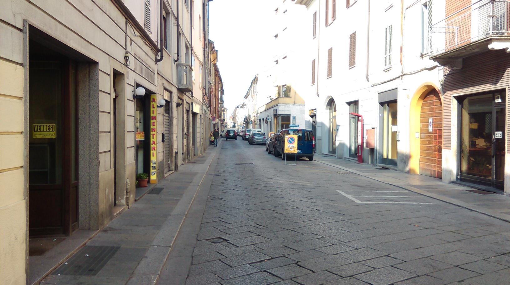 Chiusura dei locali nel quartiere Roma, tre multe dopo i primi controlli