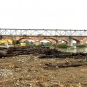 Legname sotto il ponte di Trebbia, dietrofront: tutti i tronchi saranno tolti