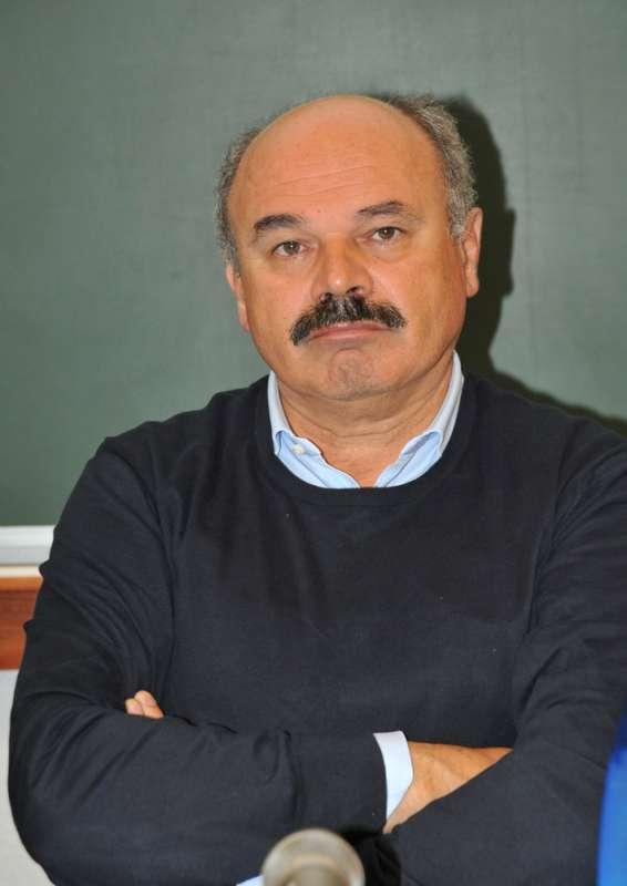 Oscar Farinetti scende in campo per il centro trapianti di Piacenza