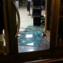 Pianello, sfondata nella notte la vetrina di un negozio. Bottino di migliaia di euro