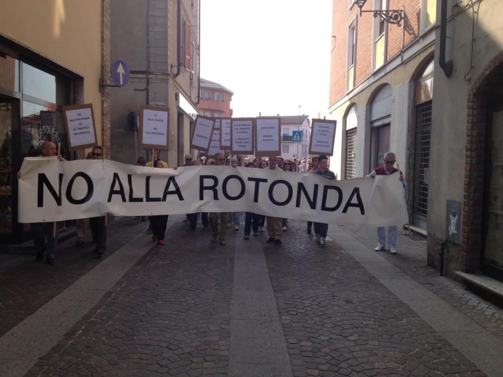 Protesta a Borgonovo per la rotonda