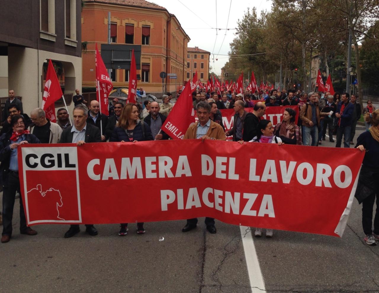 Cgil contro il Jobs Act, 500 piacentini alla manifestazione di Bologna