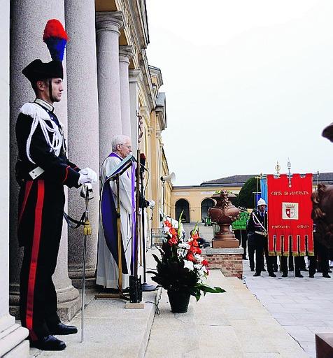 Commemorazione dei defunti, al cimitero il ricordo dei caduti per la Patria
