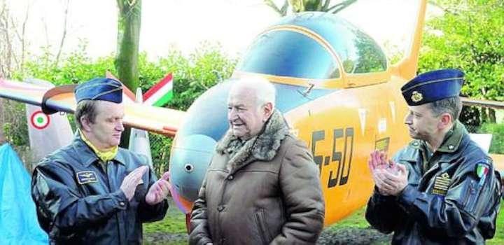 Addio a Luigi Gorrini, leggenda dell'Aeronautica militare. Il video
