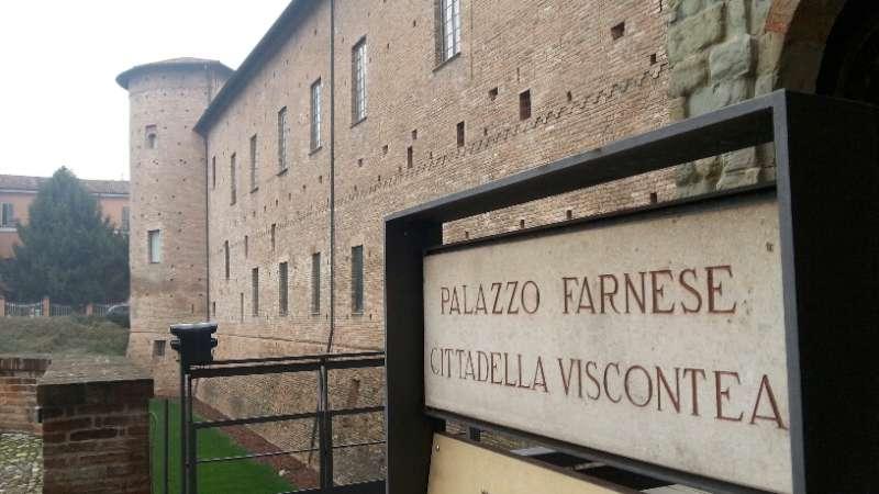 Maratona di poesia a Palazzo Farnese: 150 autori da tutta Italia