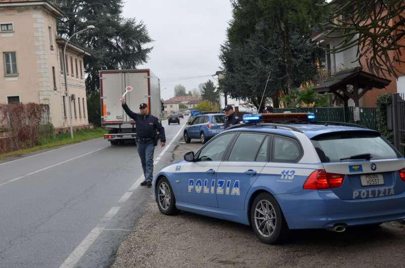 Polizia posto di blocco stradale (2)-800