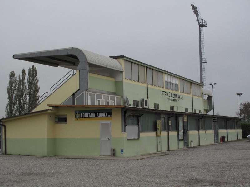 Stadio Soressi di Castelsangiovanni-800
