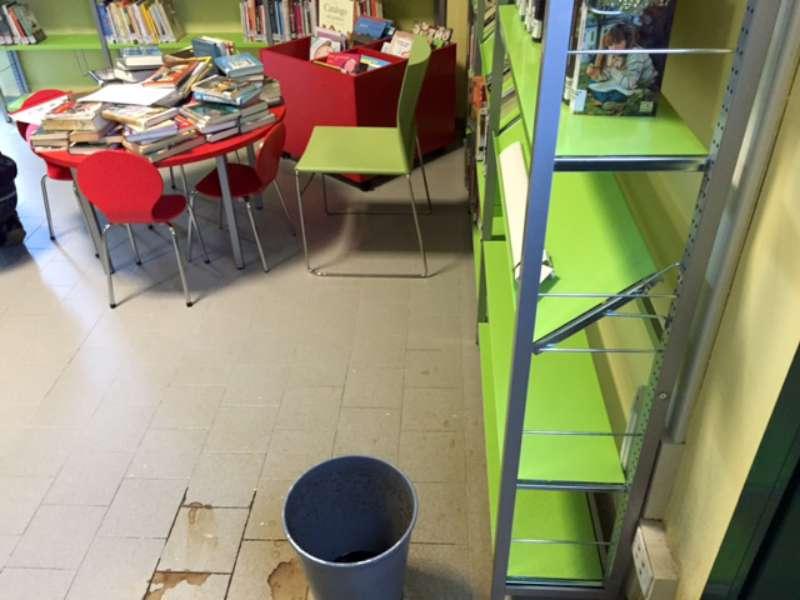 infiltrazioni d acqua alla biblioteca Farnesiana (14)-800