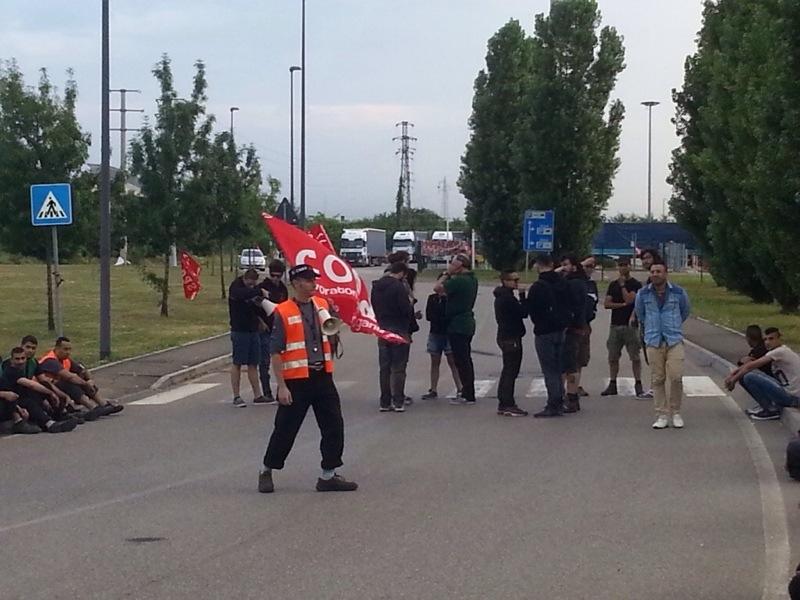 Lavoratori Ikea, per i Sì Cobas licenziati accordo per chiudere le cause