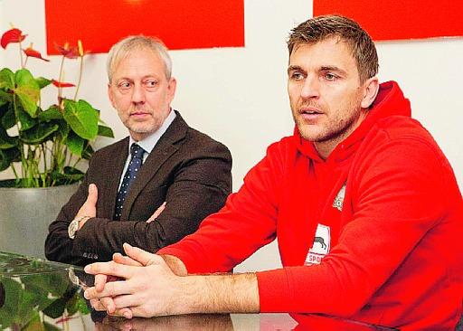 Andrea Zizic, a destra, con il presidente Marco Beccari