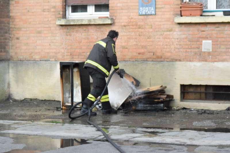 Incendio appartamento al quartiere Ciano (9)-800