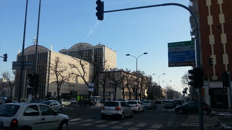Via Manfredi: incrocio pericoloso, tra 1 anno il nuovo semaforo
